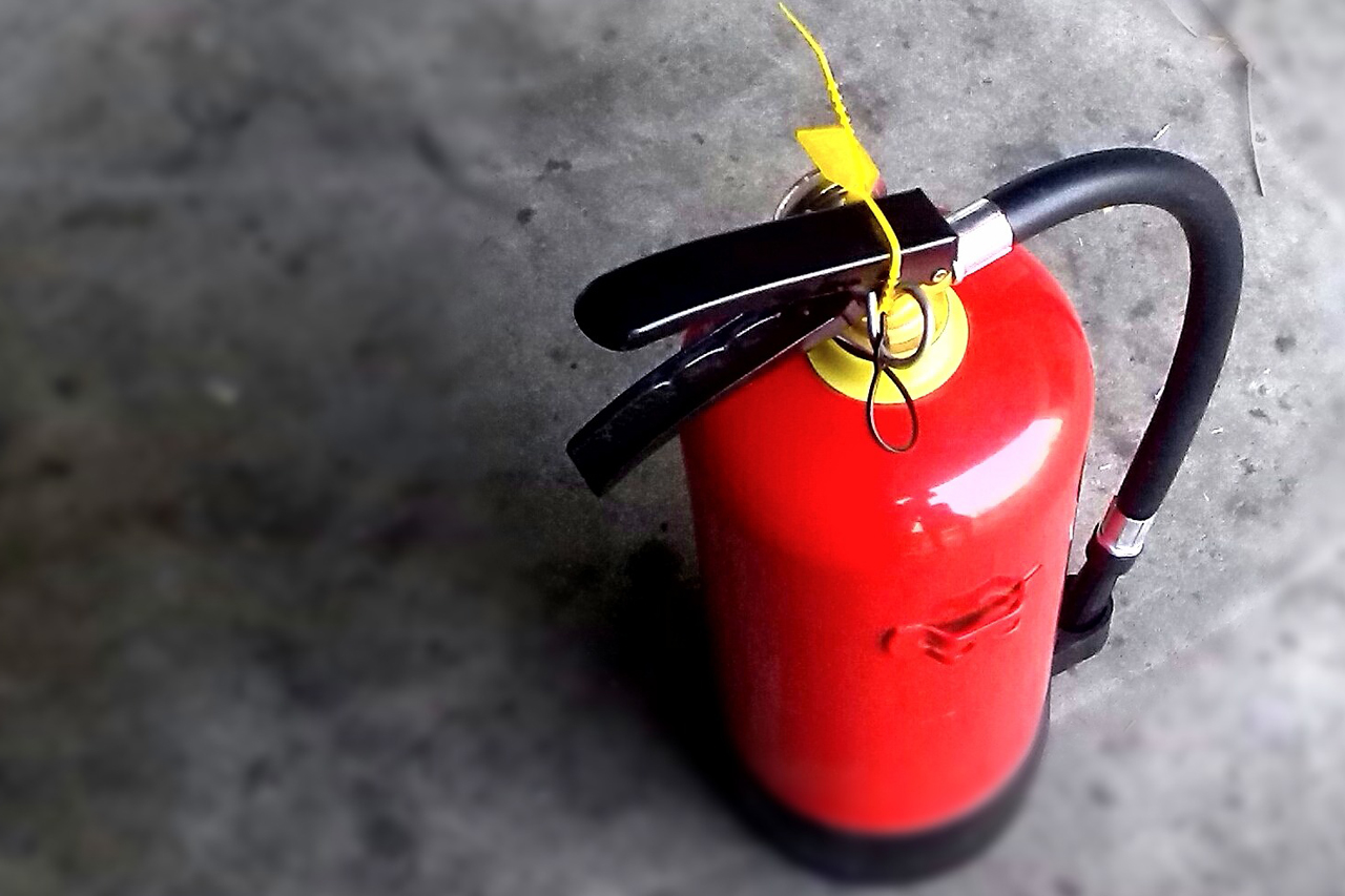 Fire Fighting Extinguisher
